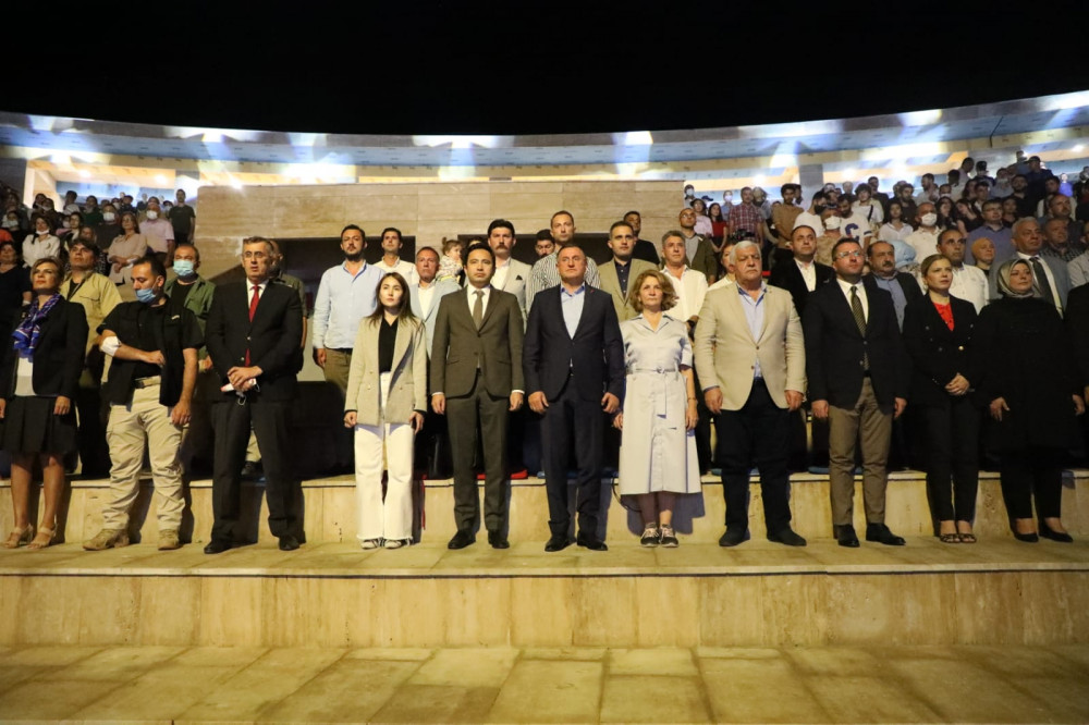 EXPO ALANINDA KAZAKİSTAN RÜZGÂRI ESTİ